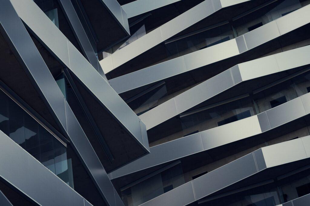 建築物の意匠権を取得するためには、どのようなデザインの新しさが必要ですか